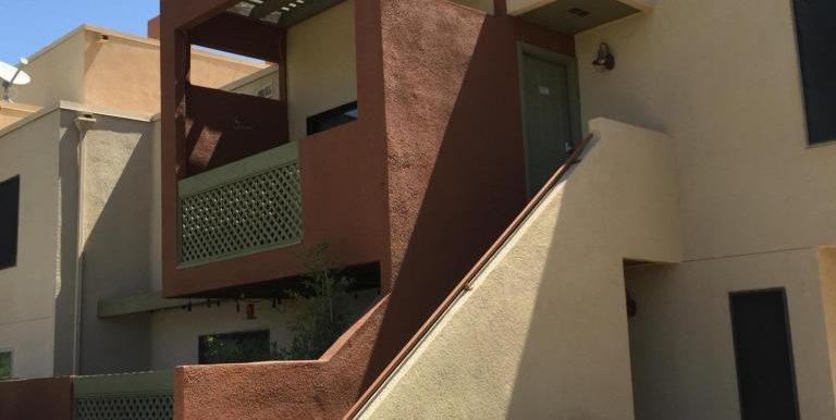 01-Stairs to Front door