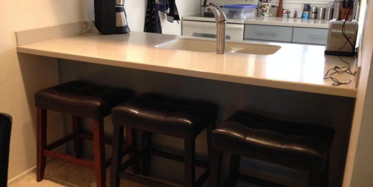 08-breakfast bar