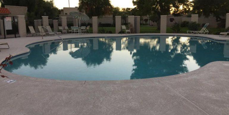 19-community-pool